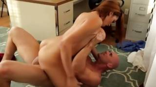Inviting hooker is cruelly riding on rough 10-Pounder