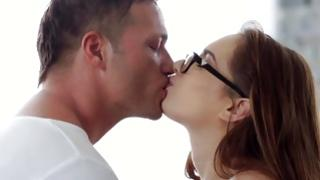 Skank in glasses is sucked on snatch